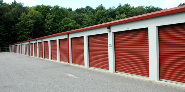 Top 4 Benefits of Using Self Storage Facility for Home Owners